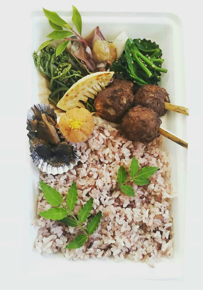 季節の定食とジビエが味わえるヤマワラウ